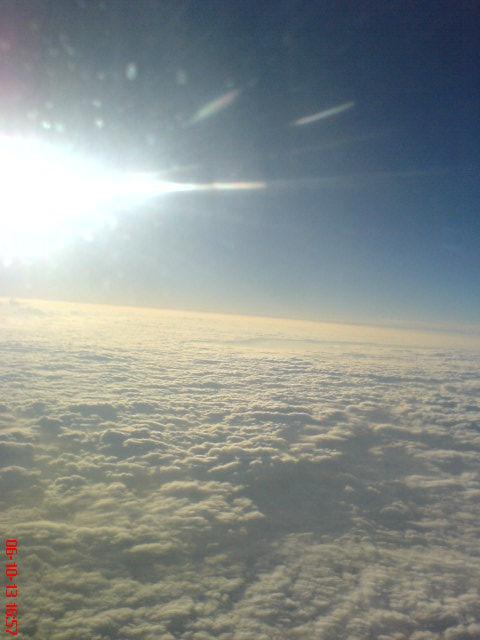 冒险在飞机上用手机偷拍