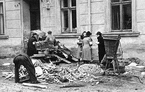 二战波兰犹太女子监狱_二战时波兰人口